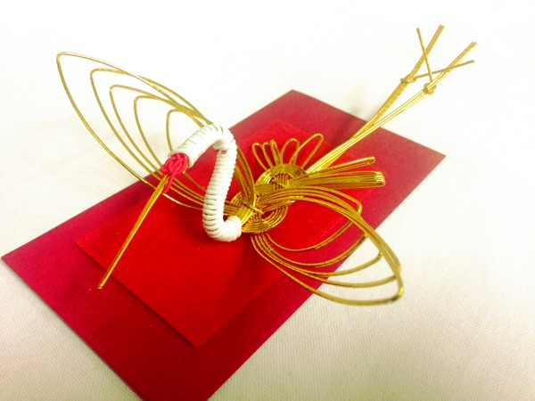 水引で作られた鶴
